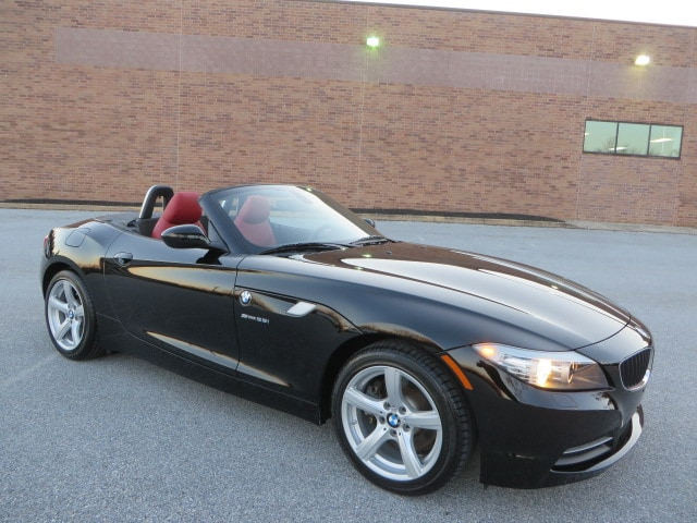 2012 BMW Z4 sDrive28i Hardtop Roadster 6-Speed Manual/Cold Weather Packa Roadster