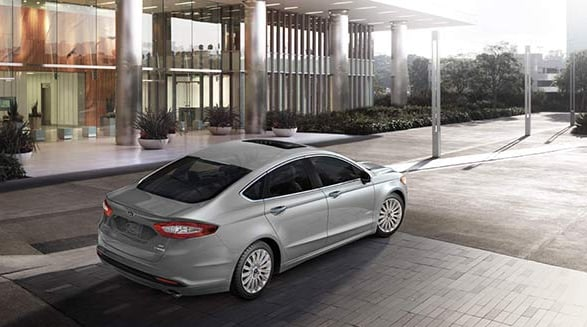 2015 Ford Fusion Hybrid SE Exterior Rear End