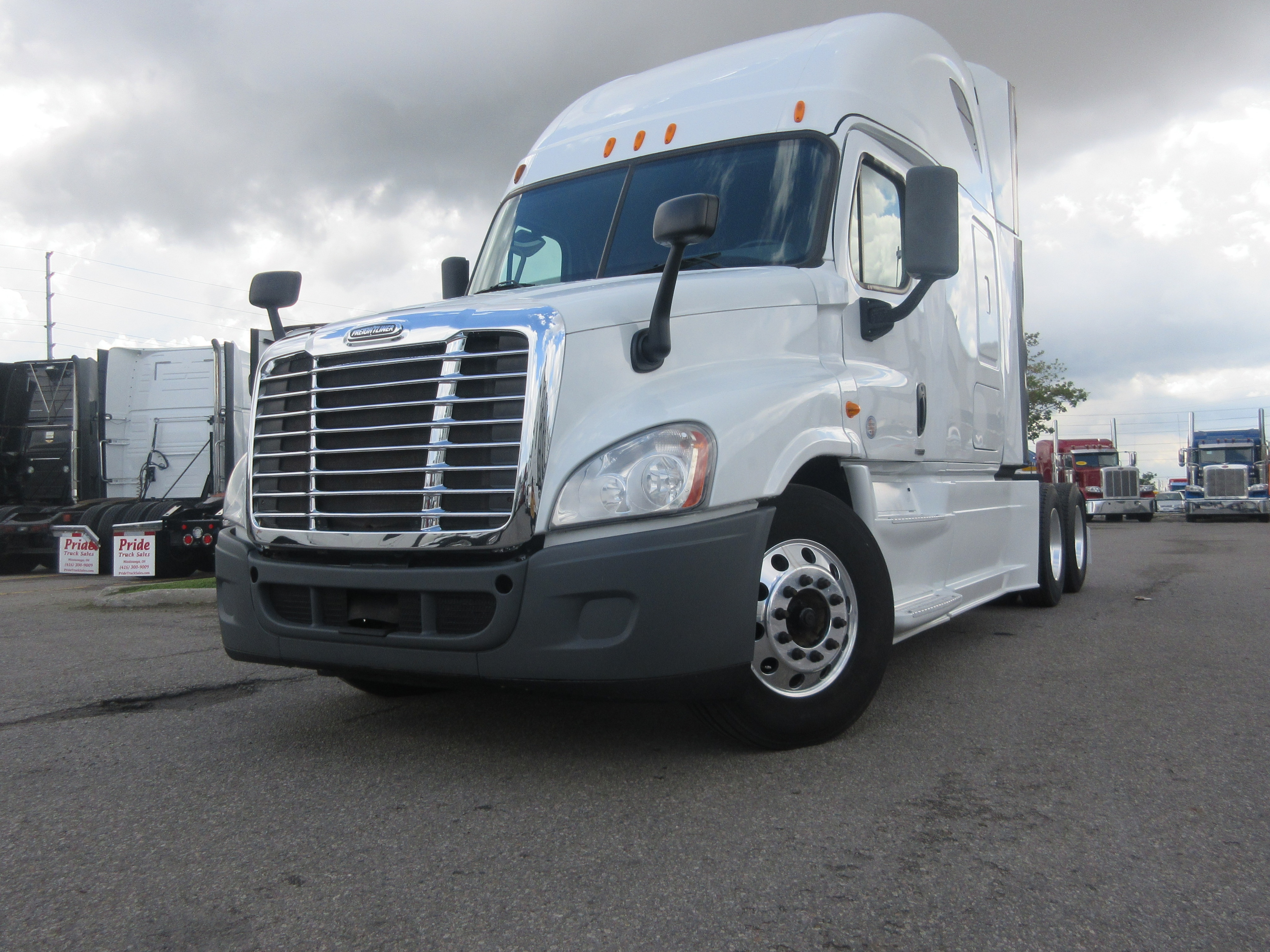 2014 FREIGHTLINER CASCADIA EVOLUTION BEST DEAL IN TOWN