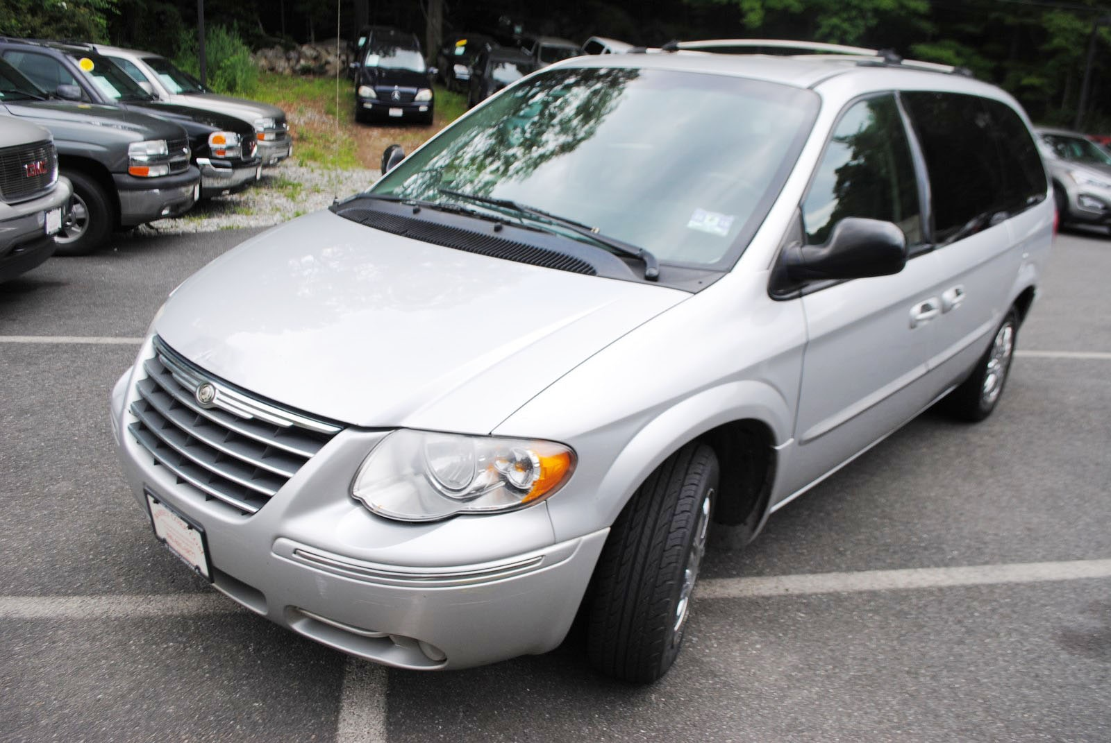 Used 2006 Chrysler Town  U0026 Country For Sale