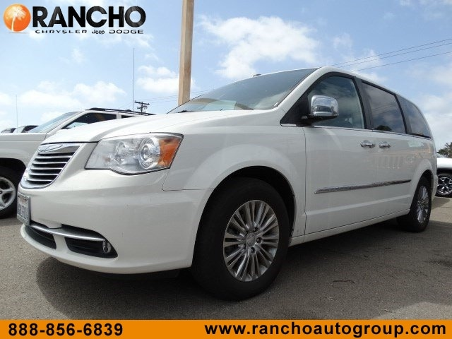 2011 Chrysler Town & Country Limited Wagon