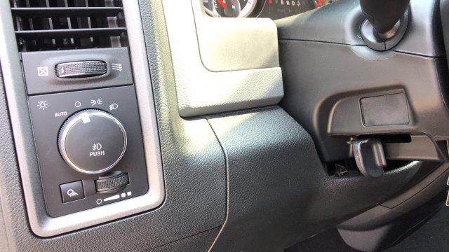 2018 RAM 1500 EXPRESS QUAD CAB 4X4 6'4 BOX