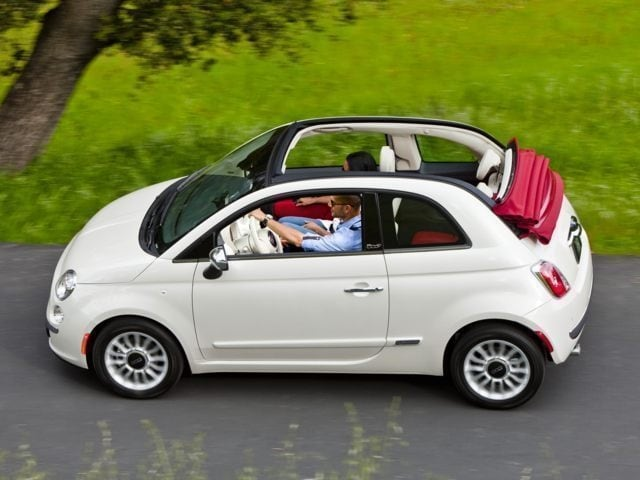 2016 FIAT 500C side view