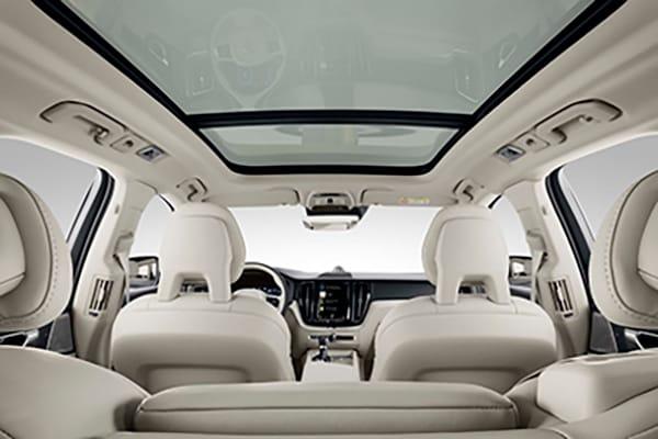 Explore 2018 Volvo XC60 Interior Comfort Features