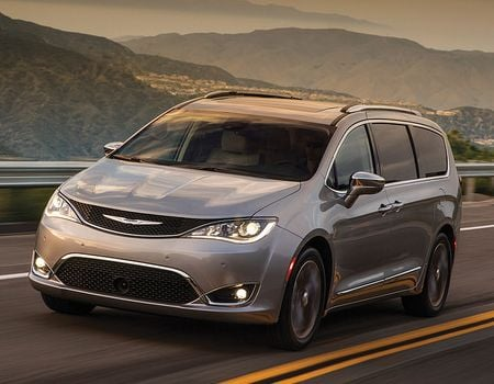 2018 Chrysler Pacifica  | Rudig Jensen Ford CDJR | New Lisbon, WI