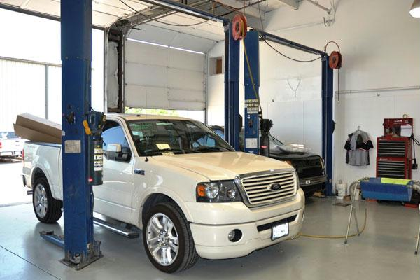 Grapevine Collision Center Body Shop mechanical