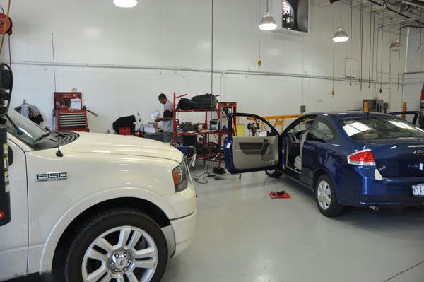 Grapevine Collision Center Body Shop Inside