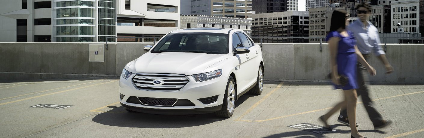 2017 Ford Taurus in white