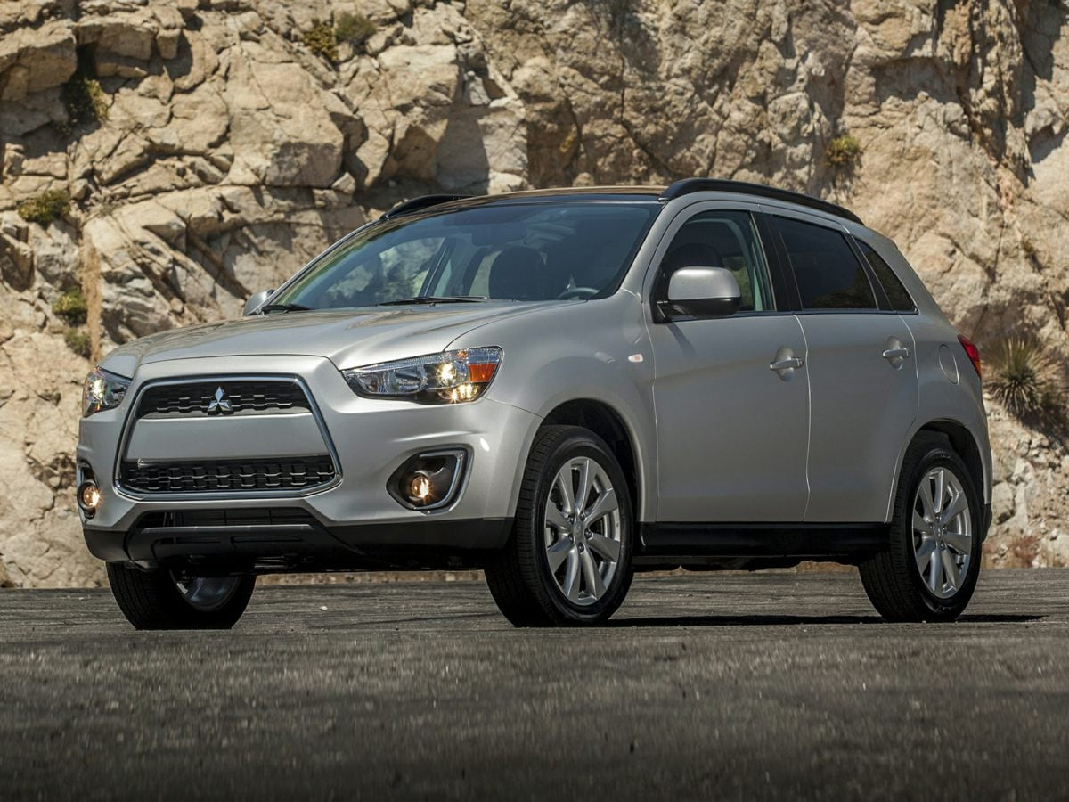2014 Mitsubishi Outlander Sport ES Drive this home today Step into the 2014 Mitsubishi Outlander S