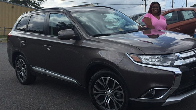 Happy Customer DiAndra Mayo purchased a 2016 Mitsubishi Outlander from with help from salesperson Dawn DeChristopher. Thank you, DiAndra, for choosing Shirlie Slack!