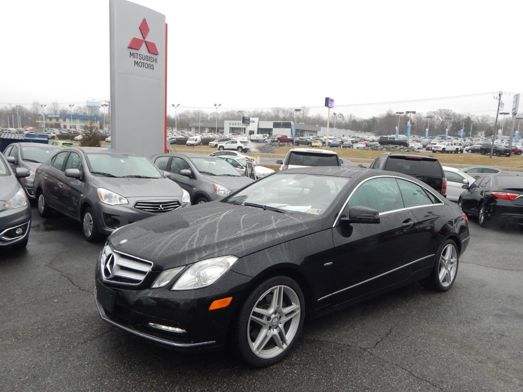 2012 Mercedes E-Class E 350 Very Nice FUEL EFFICIENT 28 MPG Hwy19 MPG City Moonroof Heated Lea
