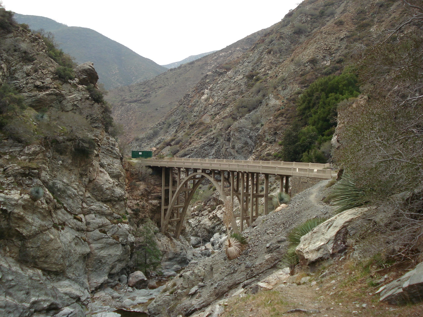 Bridge to Nowhere Trail in the San Gabriel Mountains