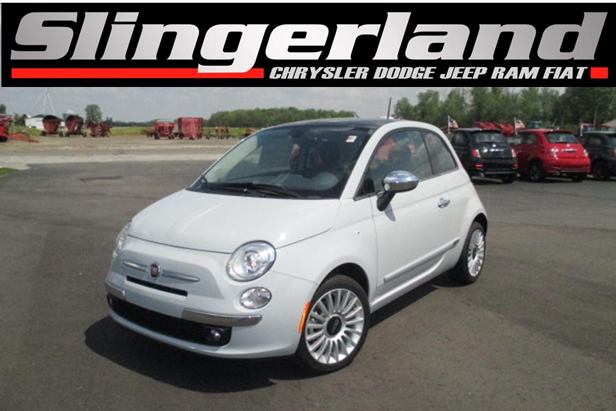 2017 FIAT 500 Lounge This vehicle wont be on the lot long Boasting the latest technological feat