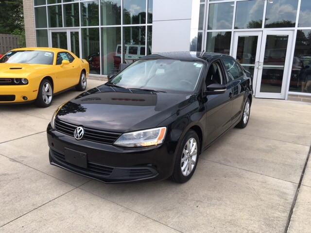 2012 Volkswagen Jetta 25L SE Wow check out those gas savings Sips gas like a spendthrift Are y
