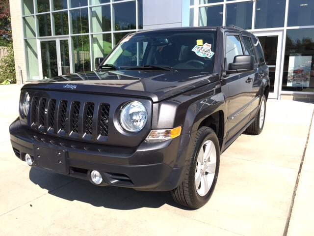 2015 Jeep Patriot Latitude 4WD ABS brakes Alloy wheels Electronic Stability Control Heated doo