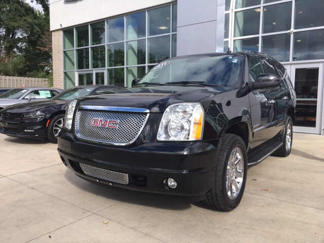 2011 GMC Yukon Denali AWD Call us now You NEED to see this SUV There are used SUVs and then the
