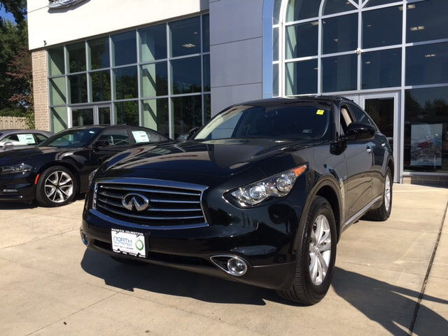 2016 INFINITI QX70 Base This is the classic example of a one-owner vehicle Its only been married