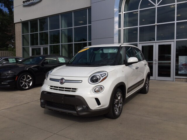 2014 FIAT 500L Trekking One owner wonder Its only been married one time Want to save some money
