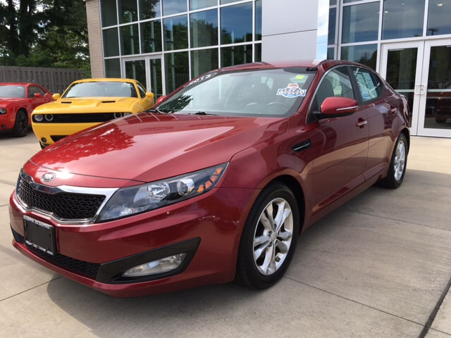 2013 Kia Optima EX Come test drive this 2013 Kia Optima It offers great fuel economy and a broad