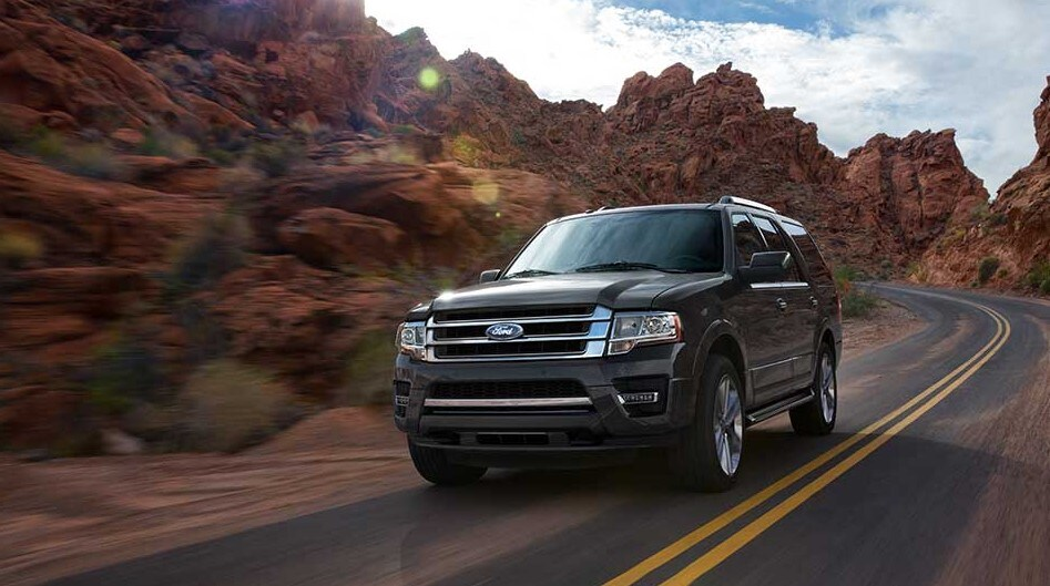 2016 Ford Expedition driving
