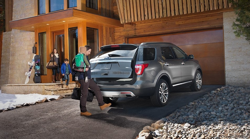 2016 Ford Explorer lift-gate
