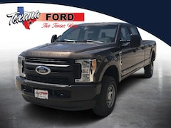 2017 Ford SUPER DUTY F-350 SRW XL Truck