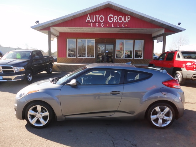 2012 Hyundai Veloster MP3 Ready XM Ready Media Control If you don t mind getting lavished with