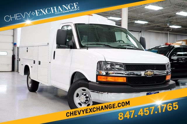 2017 Chevrolet Express Cutaway Work Van Truck For Sale in lake Bluff, IL