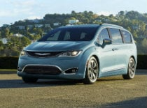 2017 Chrysler Pacifica near Long Island