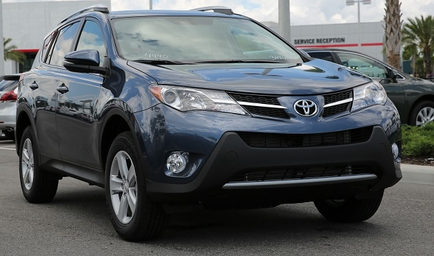 2014 toyota rav4 vs honda cr v new toyota near orlando for Honda crv vs toyota rav4 2014