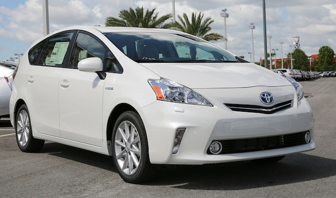 2014-toyota-prius-v-in-nc
