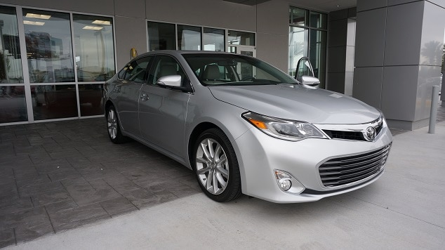 2013 toyota avalon vs nissan maxima toyota of n charlotte. Black Bedroom Furniture Sets. Home Design Ideas