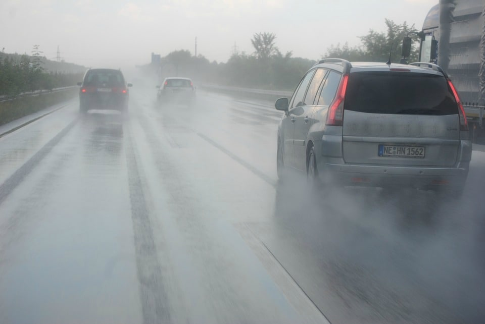 hydroplaning prevention tips