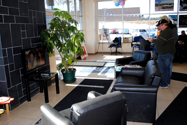 The customer lounge at Twin City Subaru