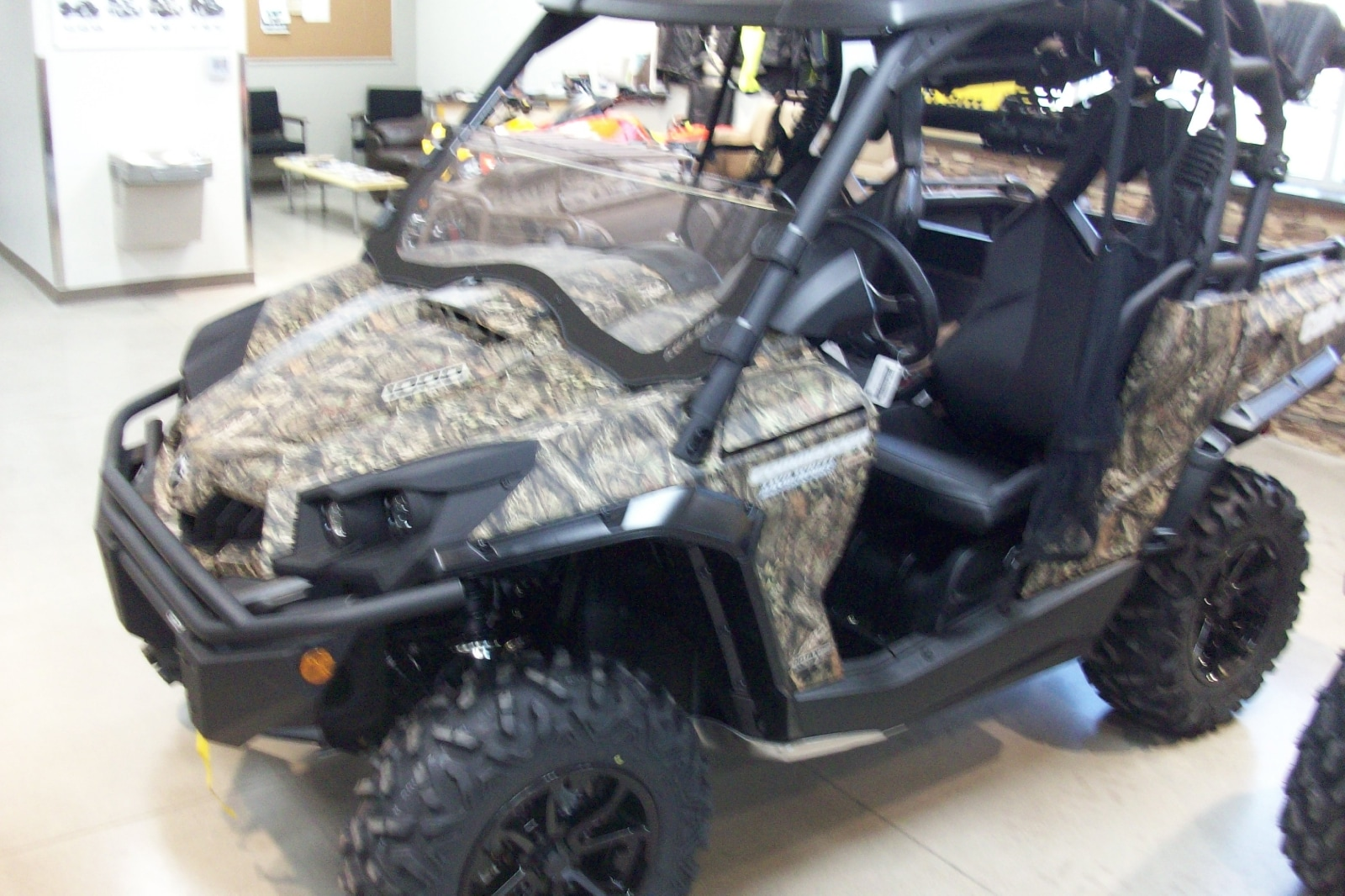 2017 CAN-AM Commander 1000 Hunting Edition FINANCE AS LOW AS 3.99%