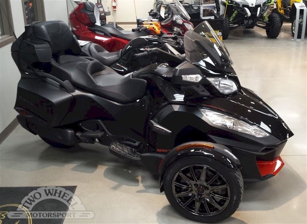 2016 CAN-AM Spyder RT-S SE6 Special Series