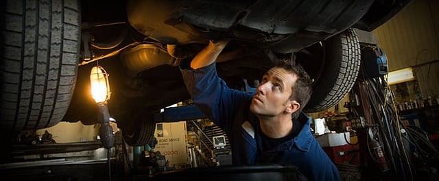 Service mechanics Valencia California