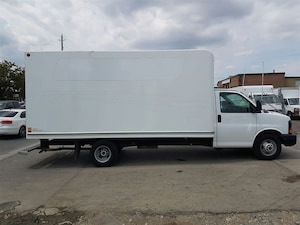 2014 GMC Savana G3500 16Ft V8 Gas Aluminum Box + Pull Out Ramp