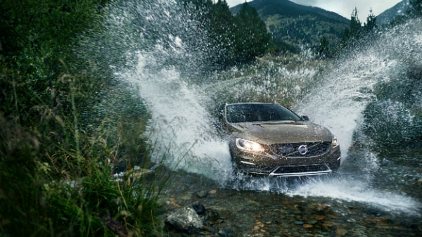 2017 Volvo V60 Cross Country off-road