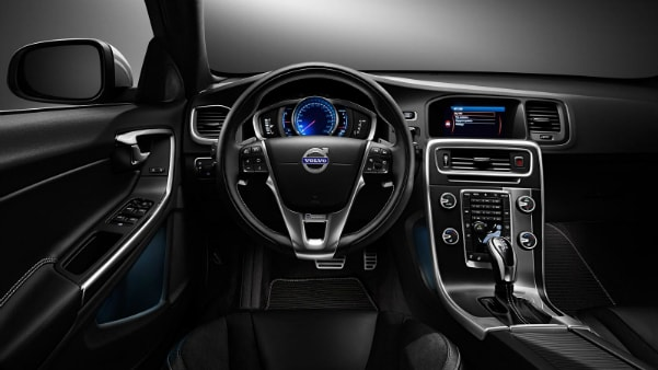 2017 Volvo V60 dashboard
