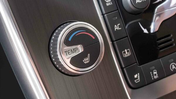 2017 Volvo S60 temperature controls