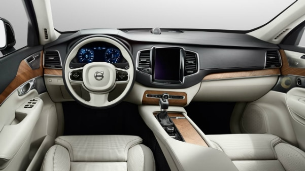 2017 Volvo XC90 dashboard