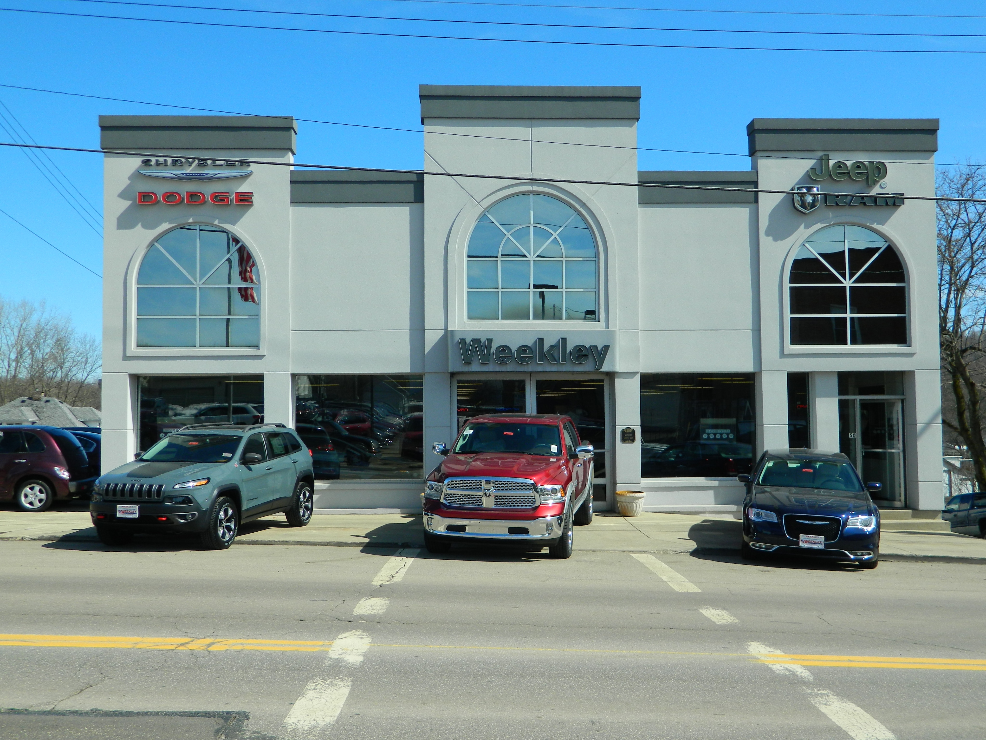 We are a family owned and operated chrysler dodge jeep dealership serving customers in butler and our surrounding counties of ashland mount vernon