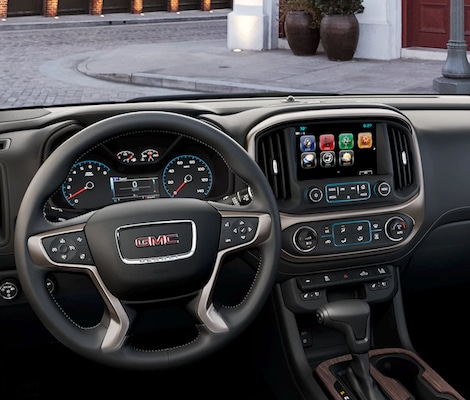 The interior of the 2018 GMC Canyon