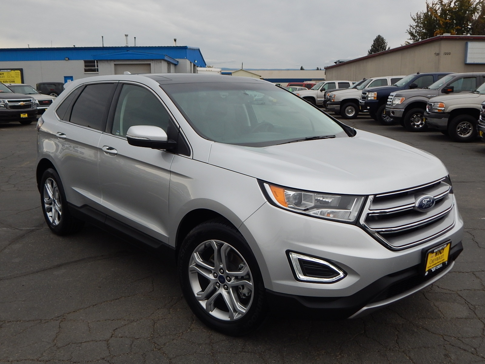 2017 Ford Edge Titanium We offer financing for just about anyone Good Credit Bad Credit REPO B