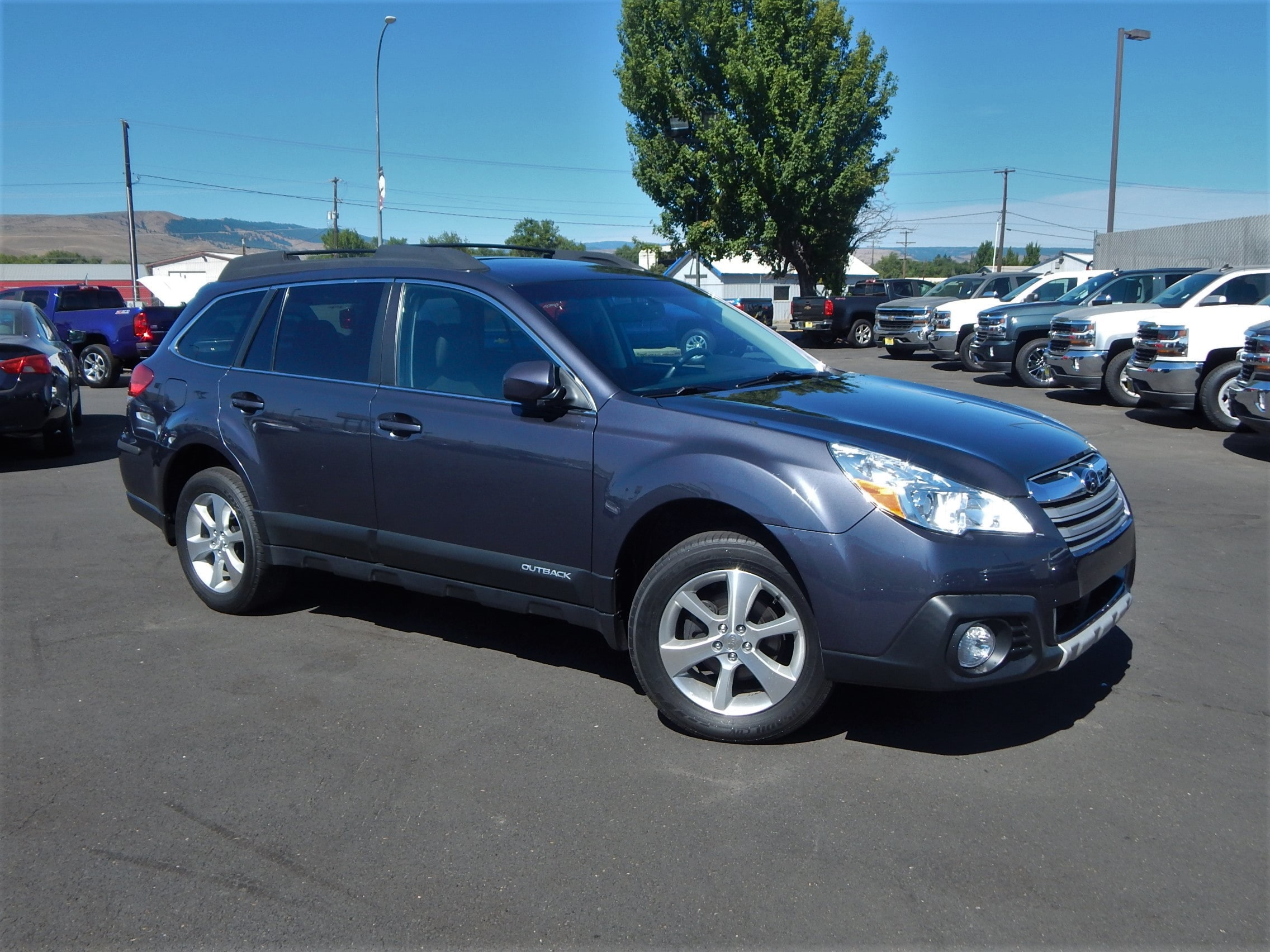 2014 Subaru Outback 25i Limited CVT We offer financing for just about anyone Good Credit Bad
