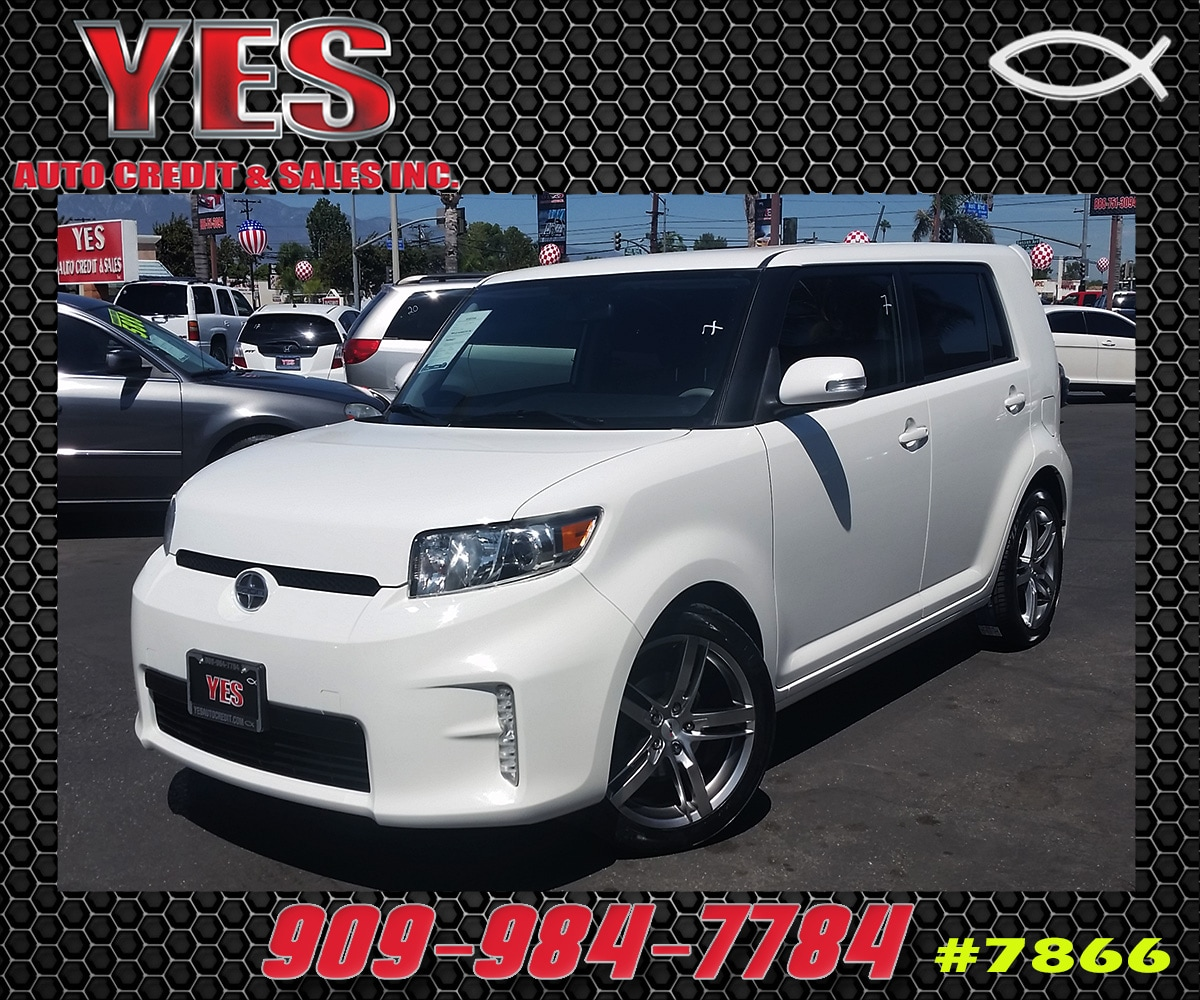 2013 Scion xB Base MANAGER SPECIALPrice does not include tax licence fees accessories and afterm