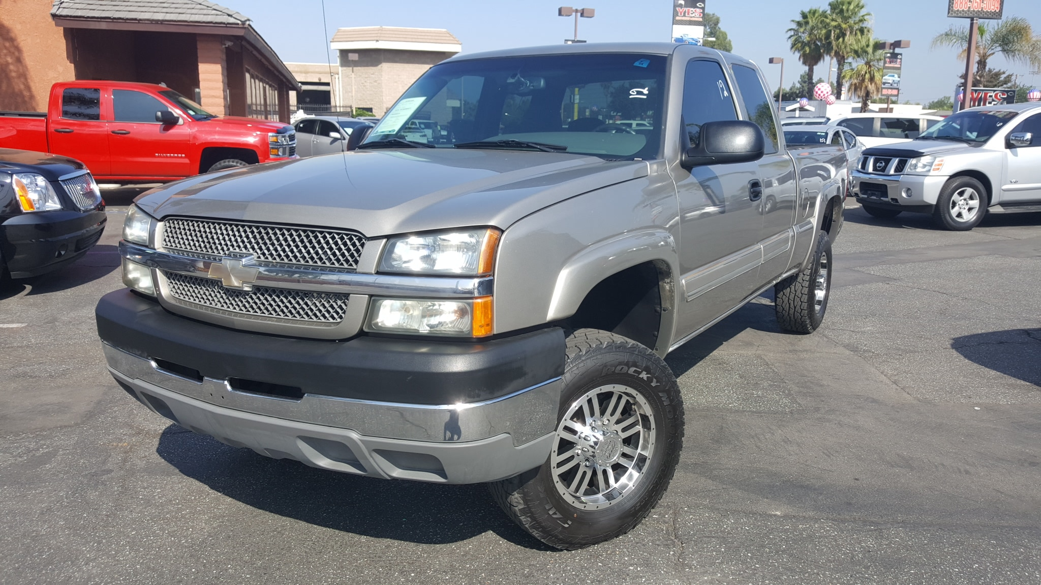 2003 Chevrolet Silverado 2500HD LT INTERNET PRICE Price does not include tax license fees ac