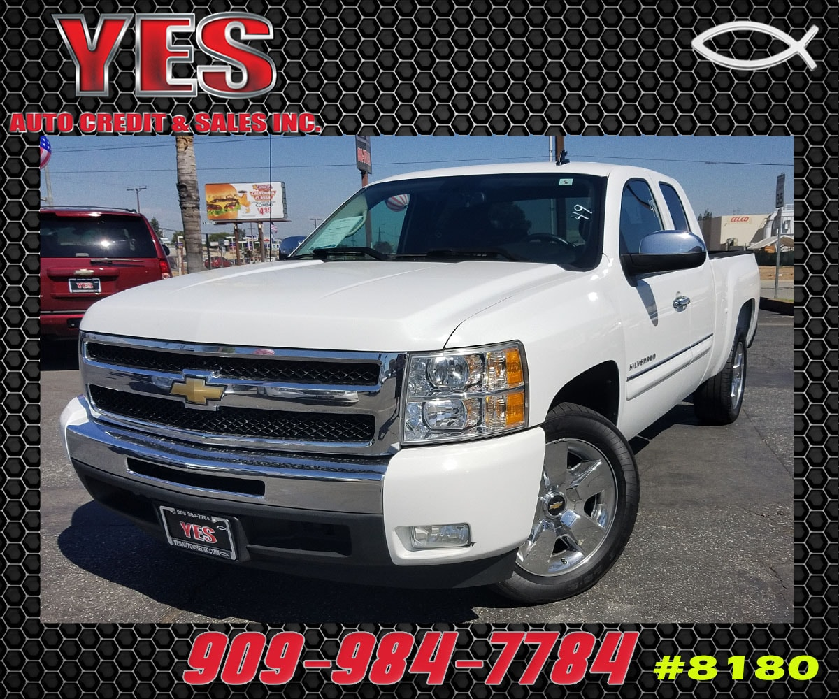 2011 Chevrolet Silverado 1500 LT INTERNET PRICE Price does not include tax license fees acce