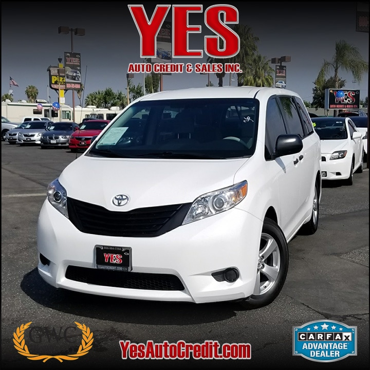 2013 Toyota Sienna LE V6 INTERNET PRICE Price does not include tax license fees accessories